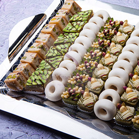Tea-cakes-wedding-sakka